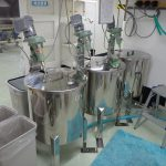 120L撹拌機付きタンク