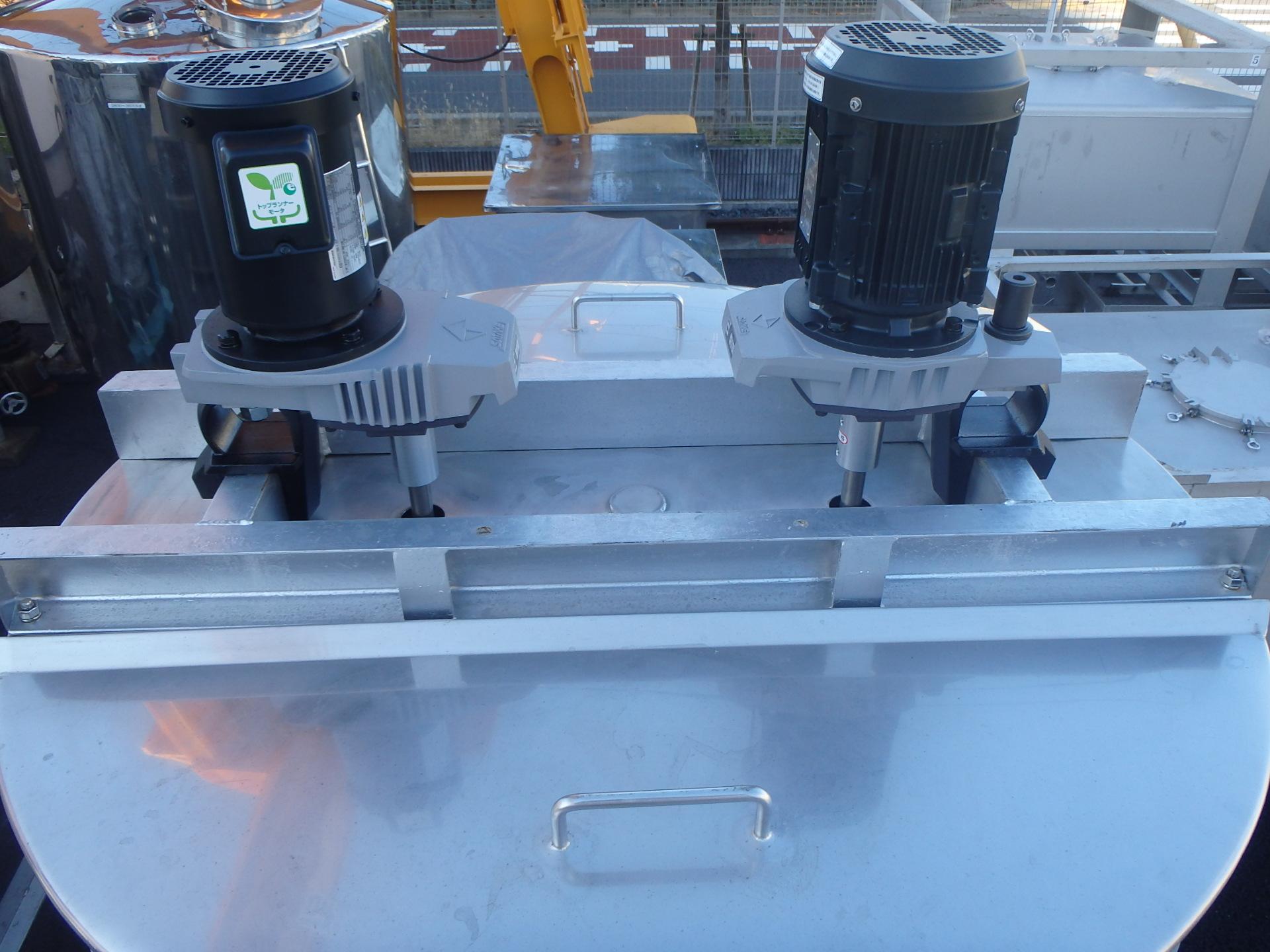 1200L冷却用ジャケット付き撹拌タンク 002-photo